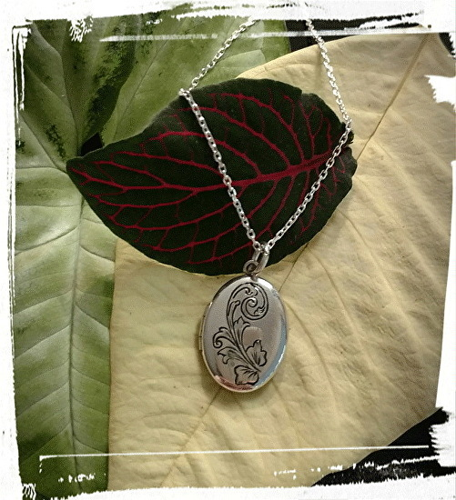 Engraved Picture Locket