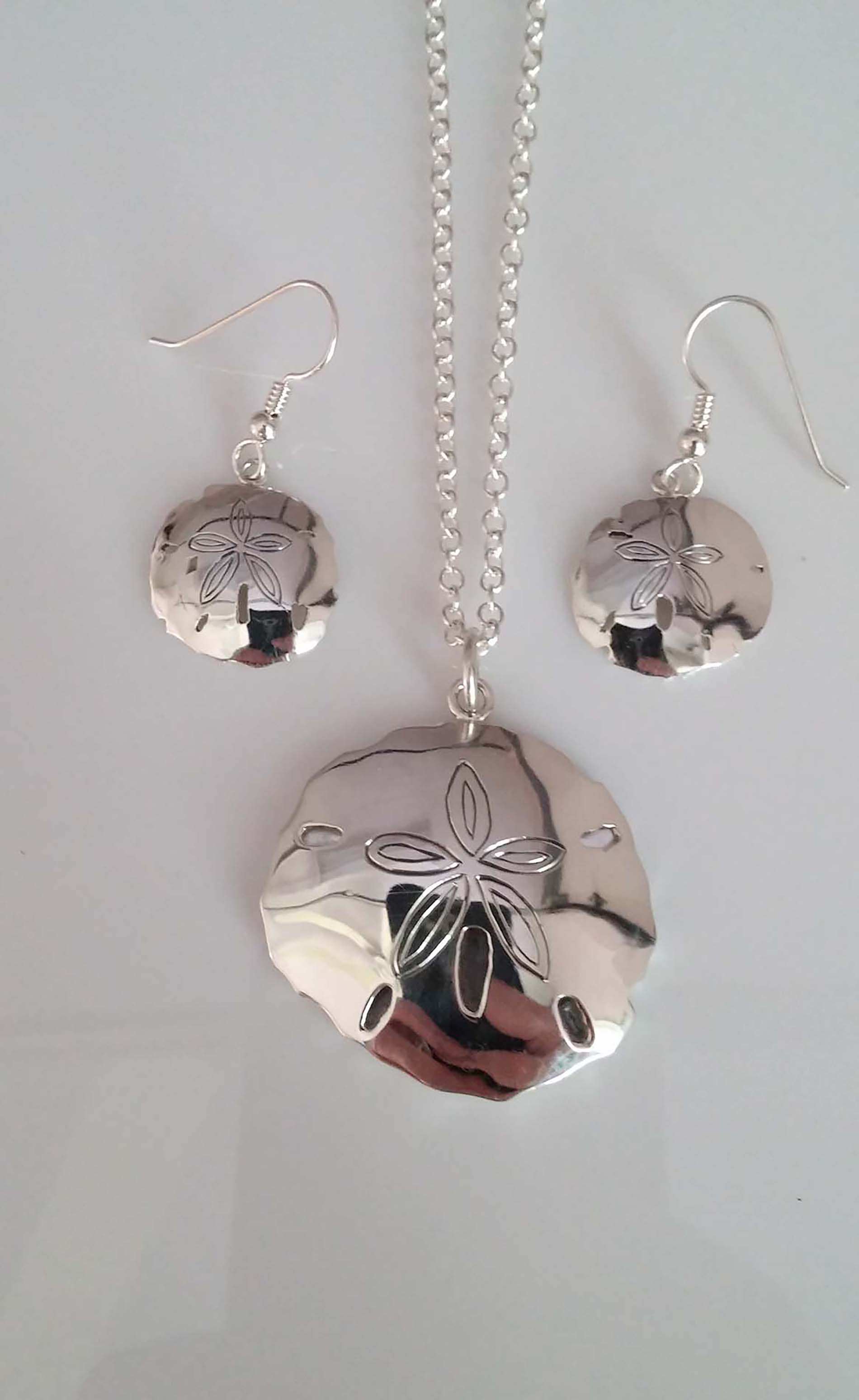 Sand Dollar Pendant Set