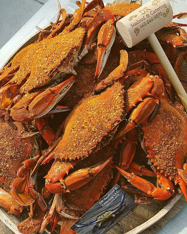 Call in today and place your orders for the 4th of July!!! 🦀