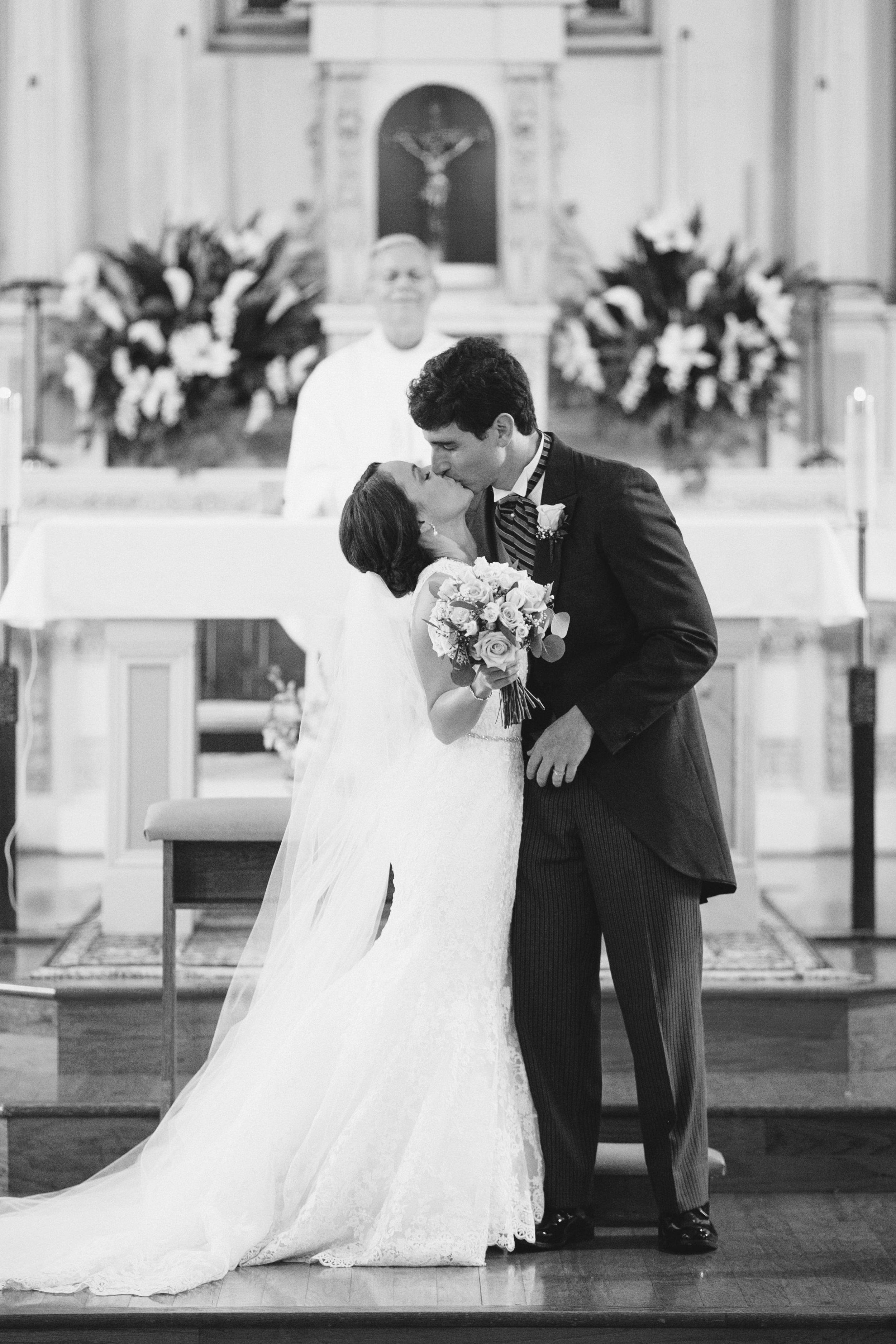 Ducote_Naccari_wedding_0439bw.jpg