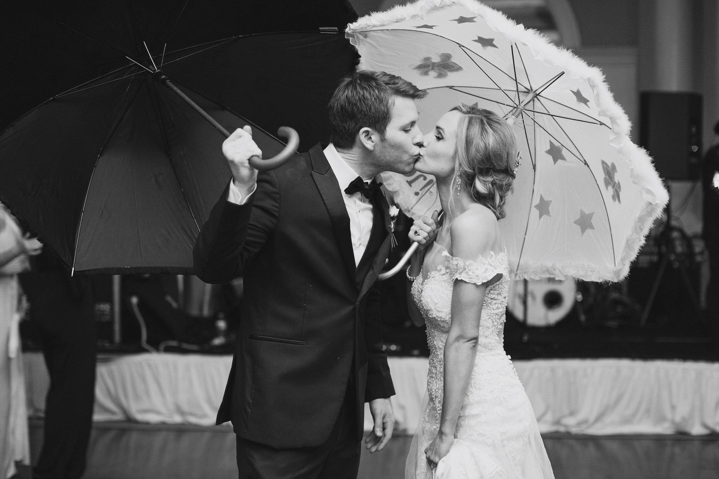 Lafayette_Louisiana_Wedding Planner_0961bw.jpg