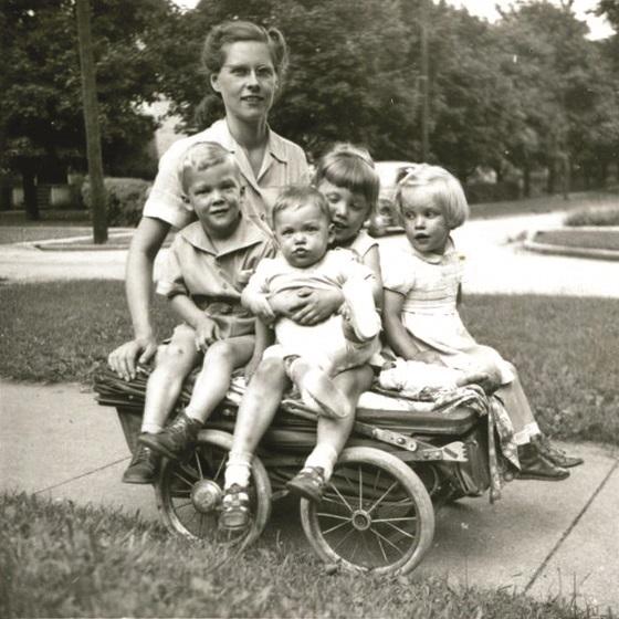MWT, John, Peter, Becky, Marty on buggy.jpg