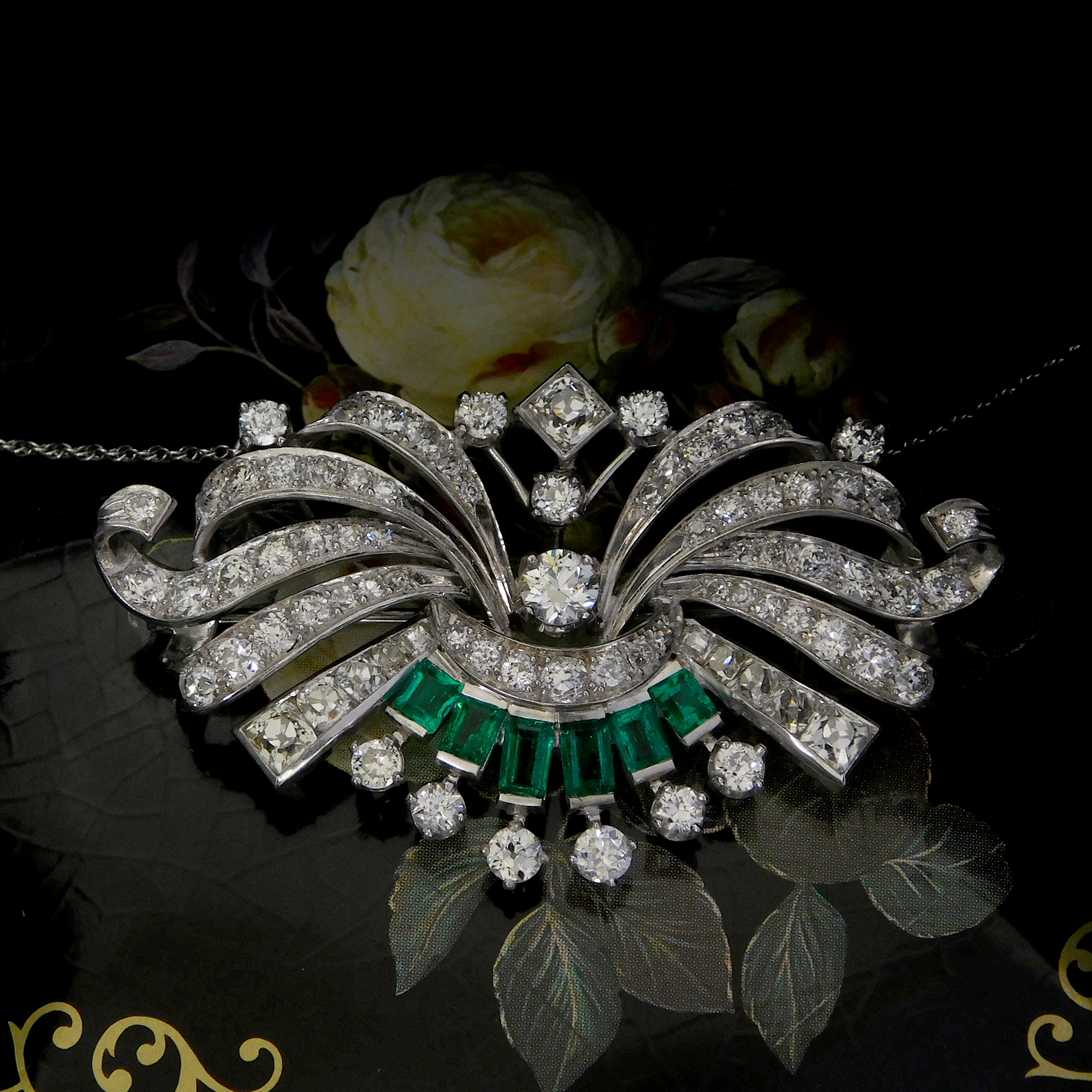 necklace-deco-emerald.jpg