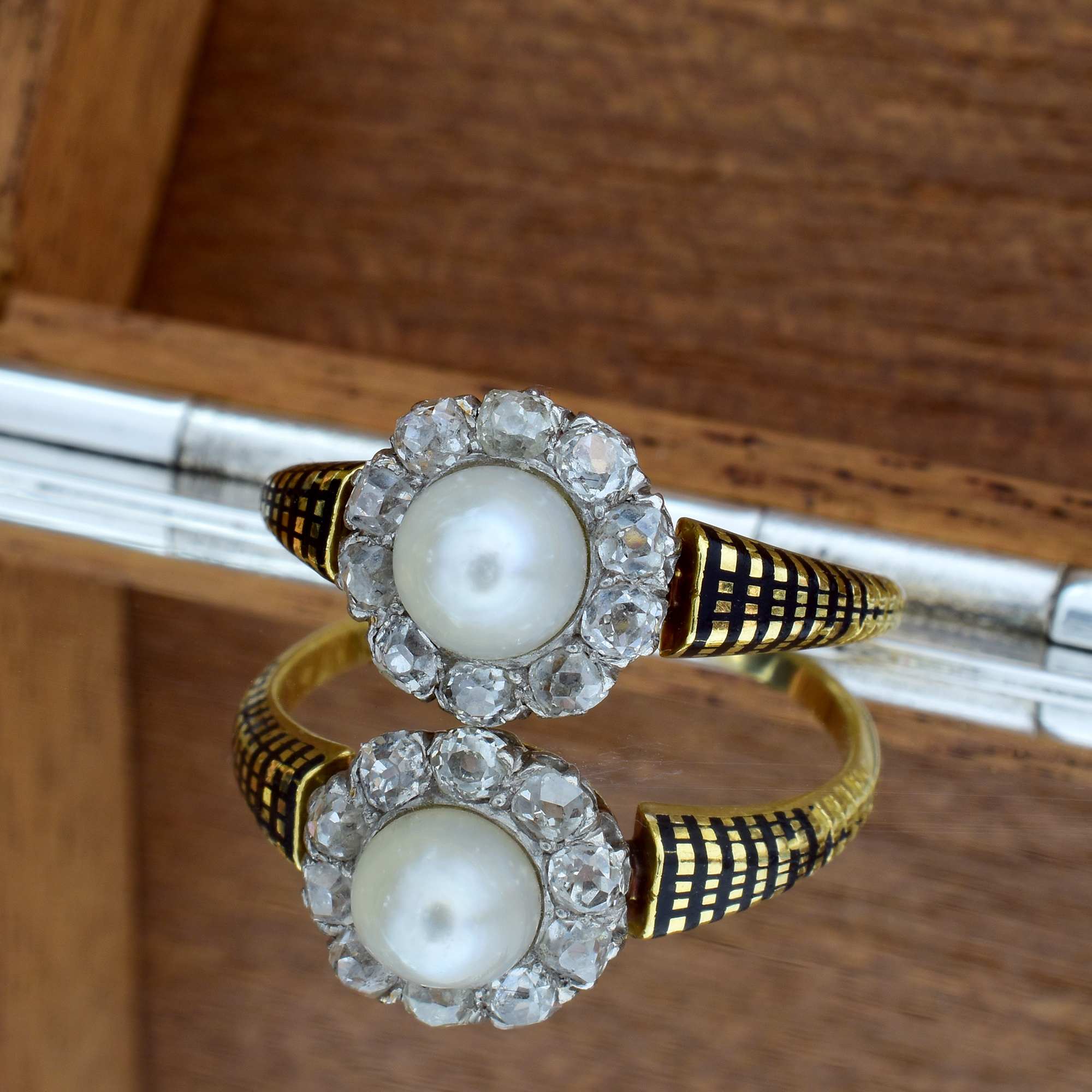 ring-antique-pearl.jpg