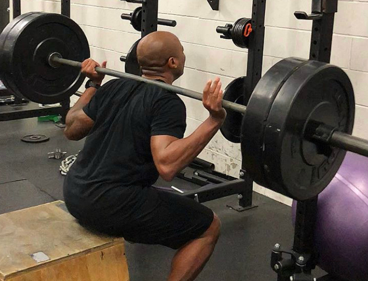 LOWER BODY STRONG   This class is focused on building strength, compound movements and functional movement patterns of the lower body (Squats, RDL's, Deadlifts). The focus of these classes is to build hypertrophy with an emphasis on lifting heavier, lower reps, and longer rest.