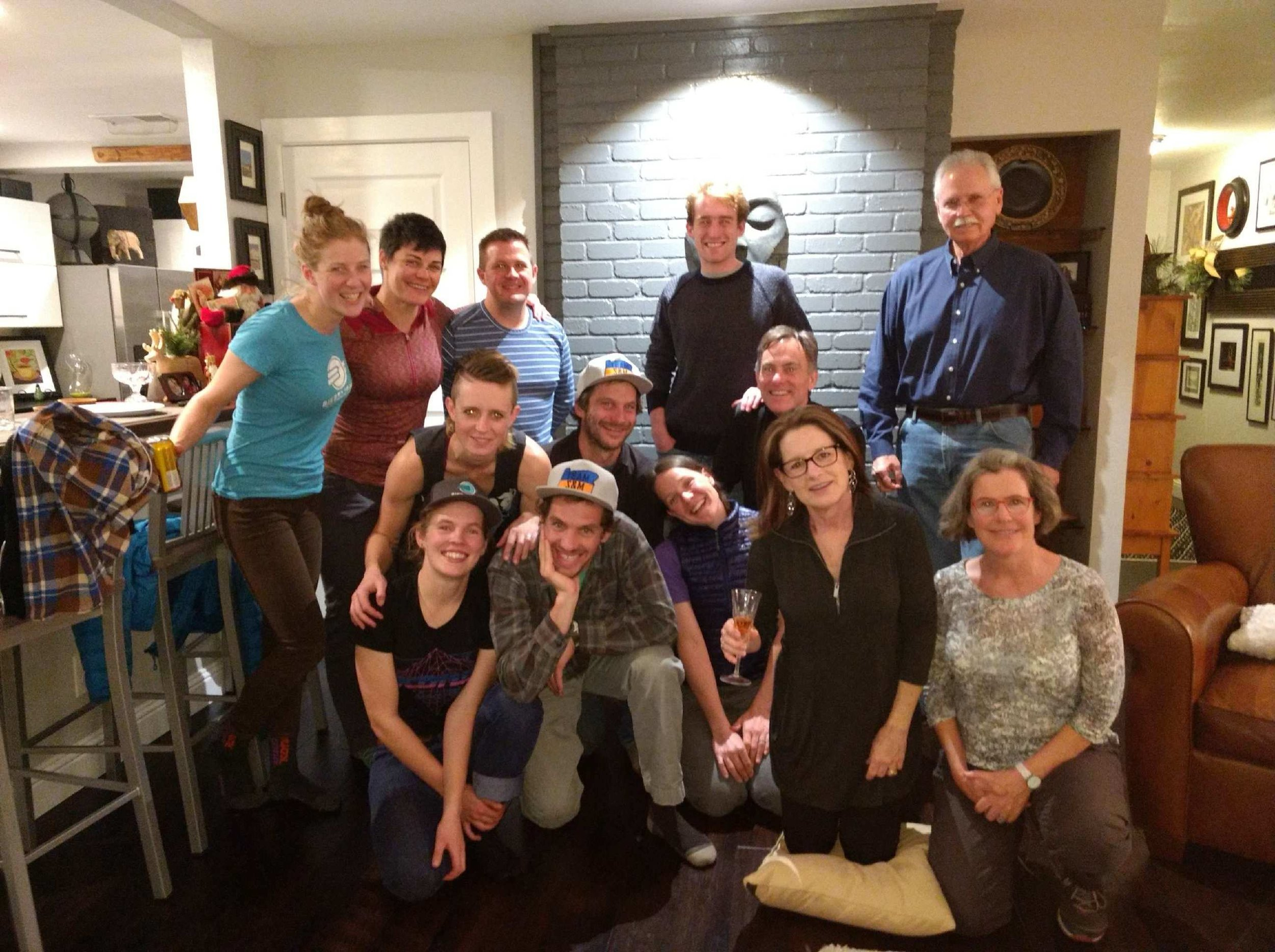 An awesome last night in town: the Team S&M family, Oregon friend & Speedvagen racer Laura Winberry, Warren family hosts, the MOMS, and more TX friends.