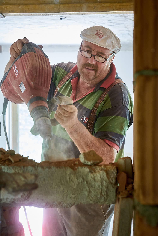 rolf-bau-handwerker-sanierung-altbau.jpg