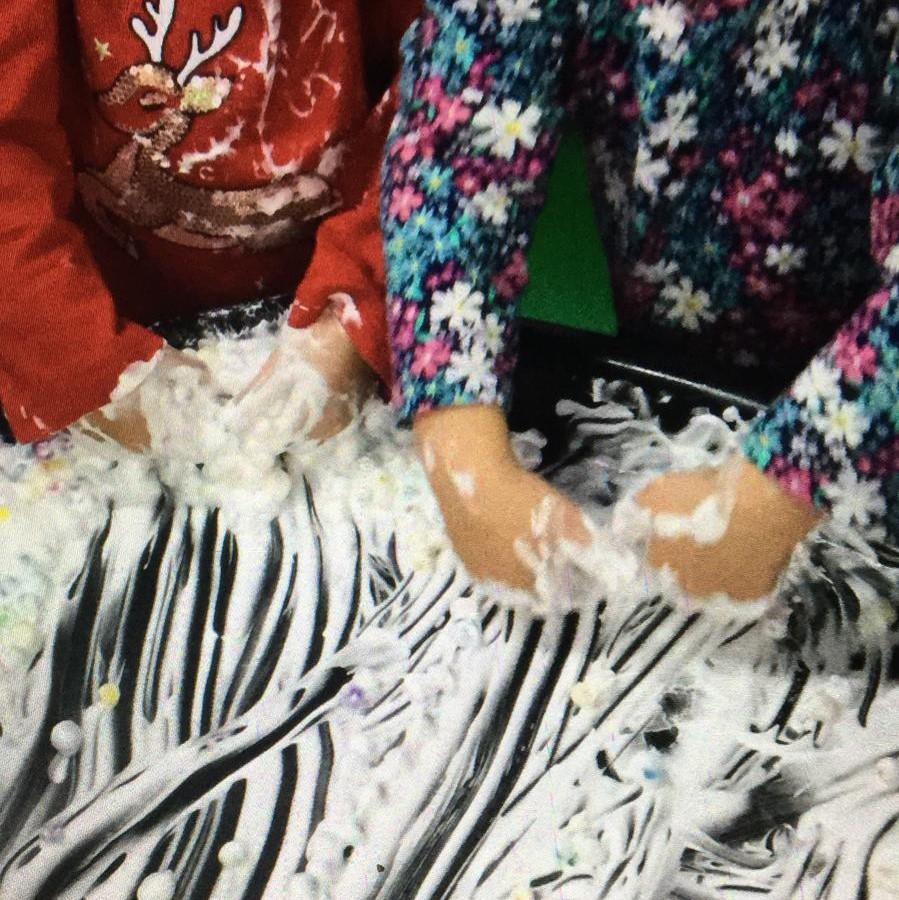 foam hands.jpg