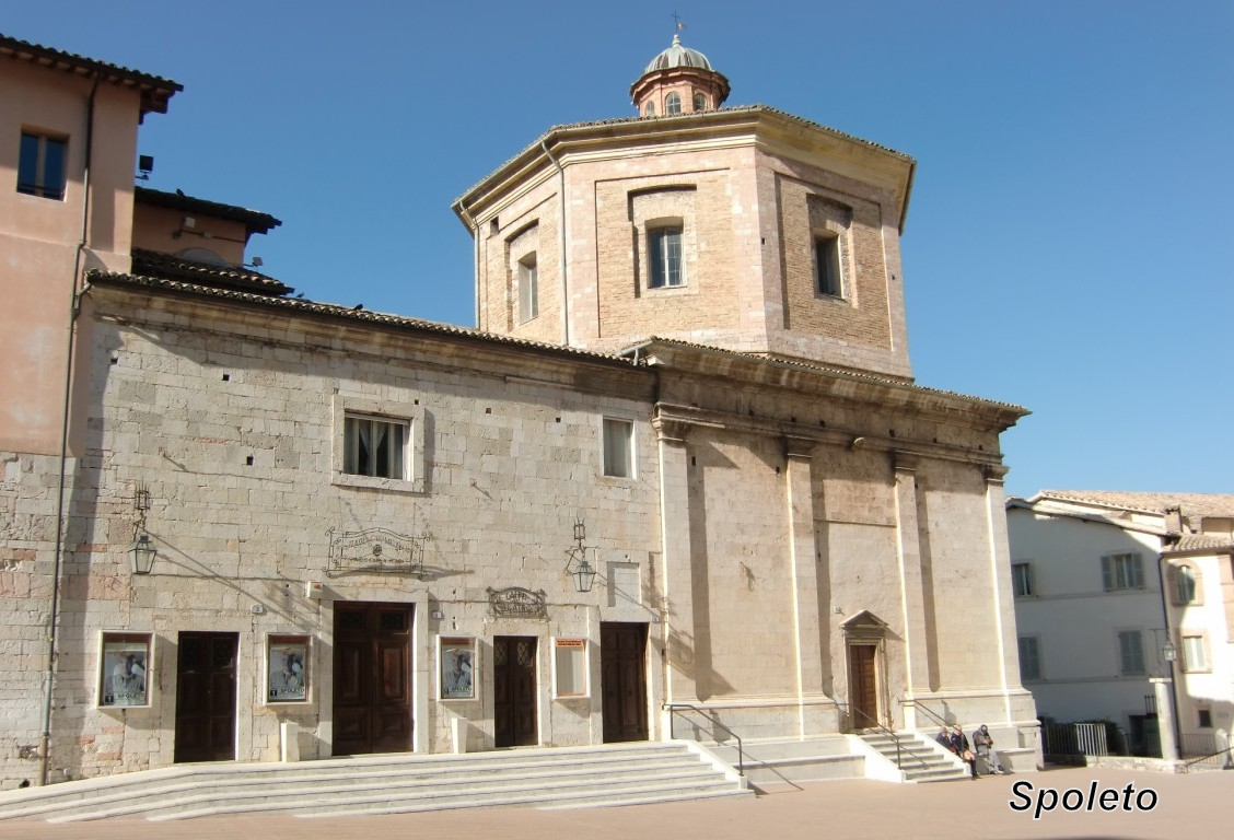 Teatro Caio Melisso.jpg