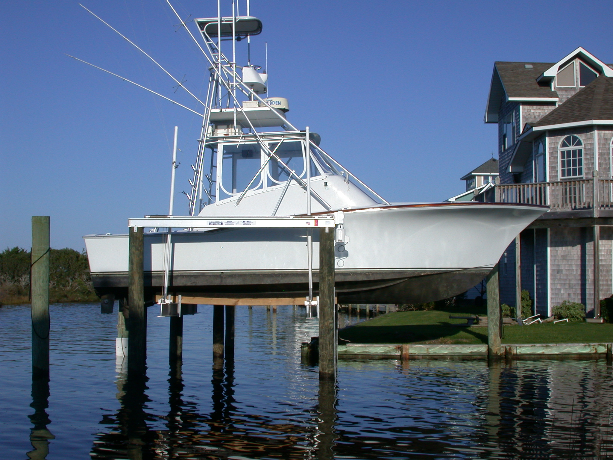 hi-tide-boat-lifts-pwls-3.jpg