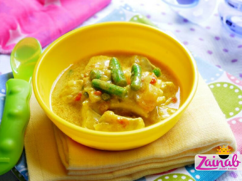 Baby led weaning curry - Thai Chicken Curry. Baby food recipe idea, toddler recipe idea. Stage 3 10+ months, baby curry recipe