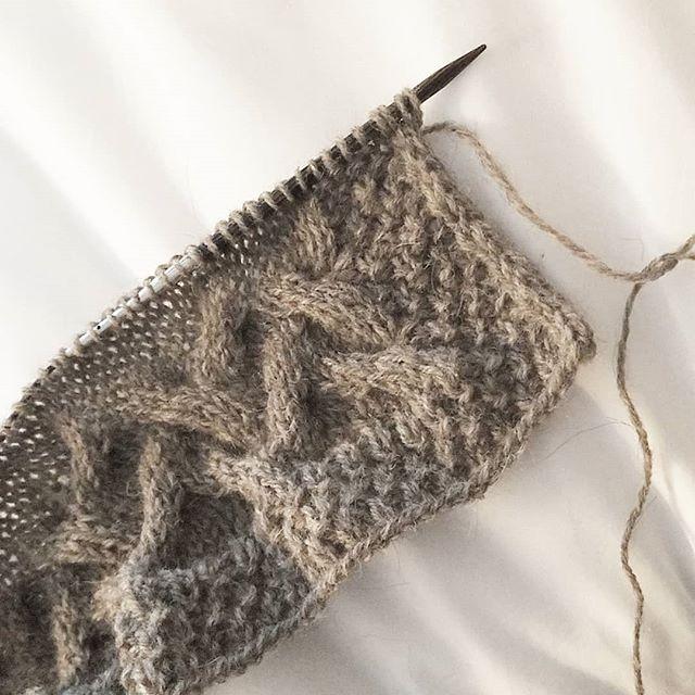 Local fiber and cables.  #knitworthyarts #kwarts #georgiafiber #wool #llama #cables #simplicity