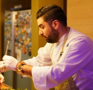 Jorge Muñiz Sáenz, Chef  Flor de Nogal    Chef Jorge Muñiz Sáenz was born in Chihuahua but raised in Ciudad Juárez. At the age of 18, Chef Muñiz Sáenz began his culinary studies at the Instituto Superior de Alta Cocina.    LEARN MORE >