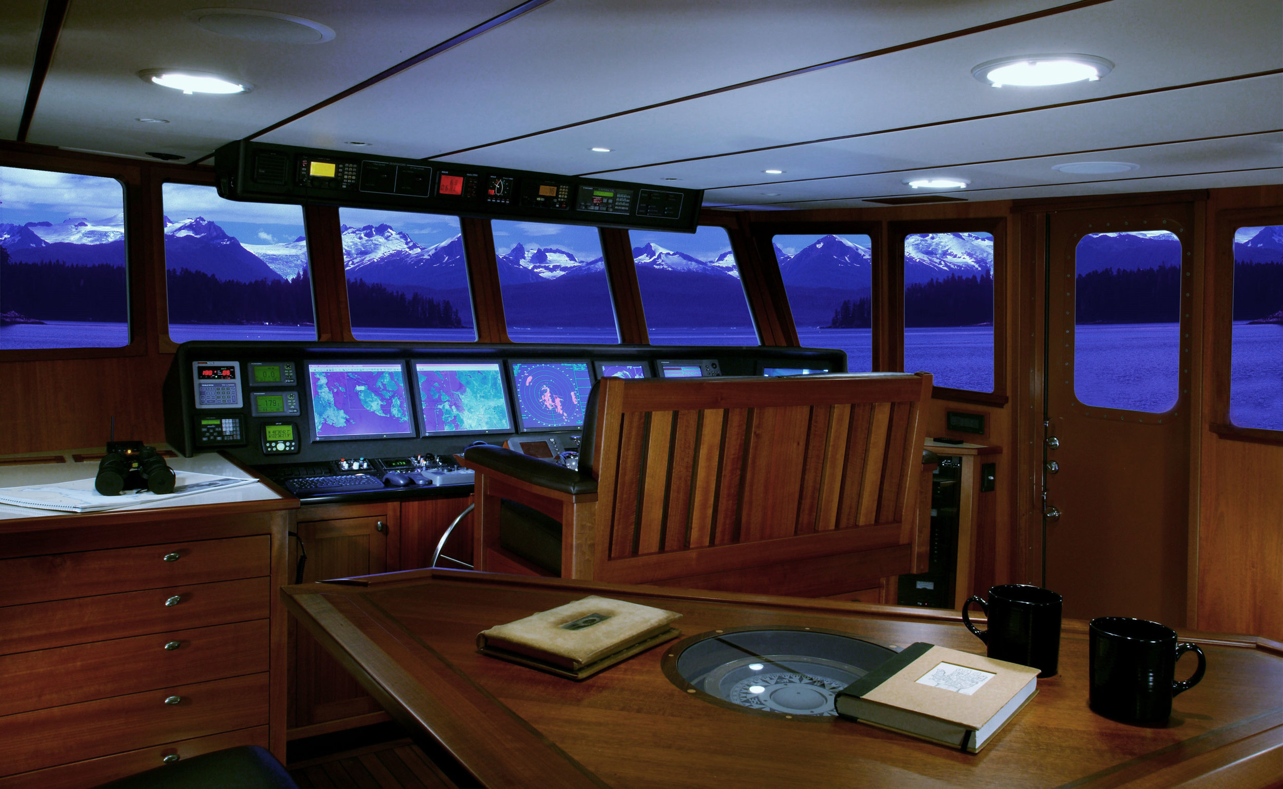 Meander pilot house fwd pic ps 1MB.jpg