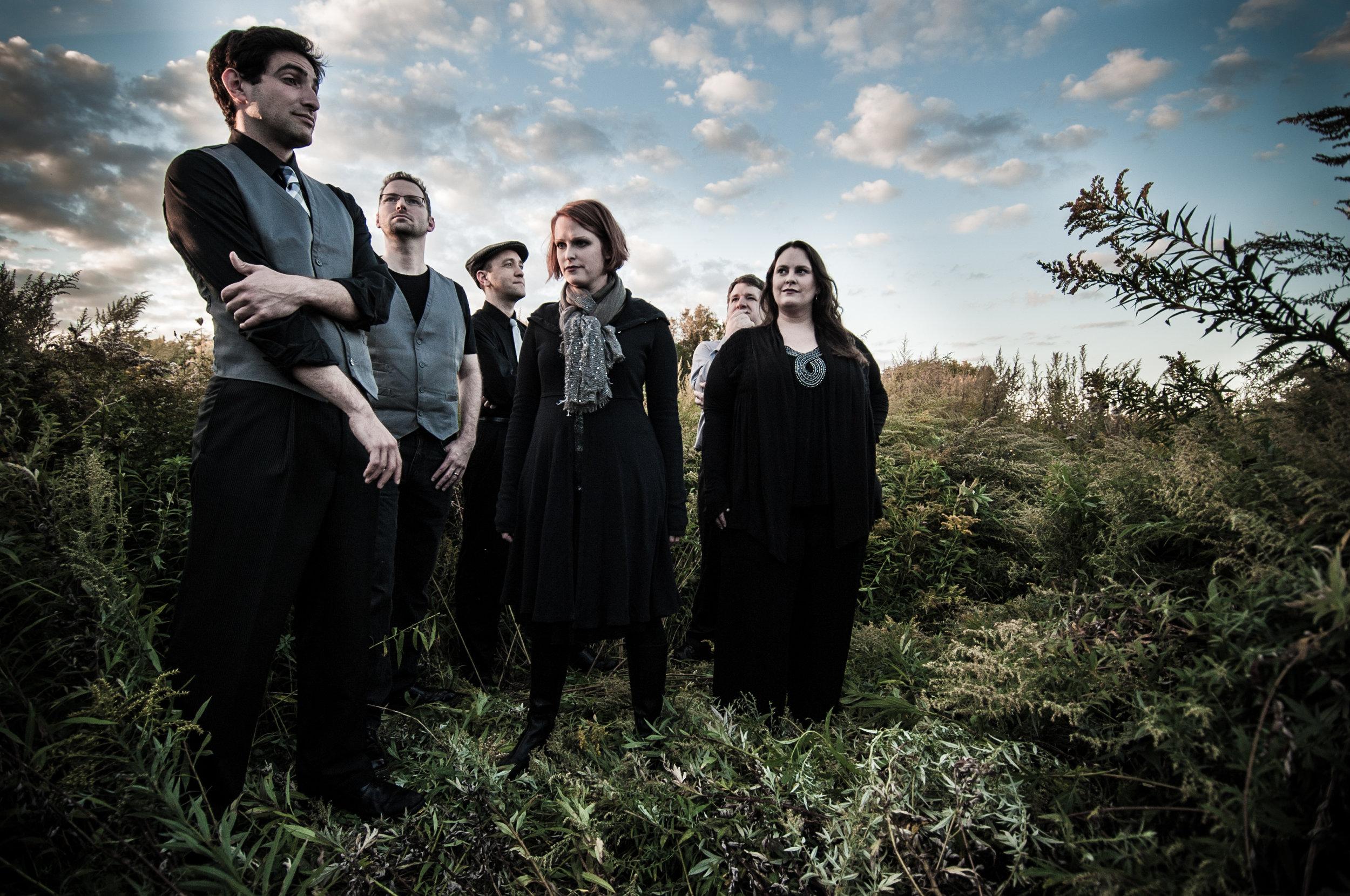 Josh Schrager (Tenor), Jamie Howe (Vocal Percussion),Tom West (Tenor), Amy Howe (Soprano), Joseph Gooch (Bass), Jennifer Steinberg (Alto)