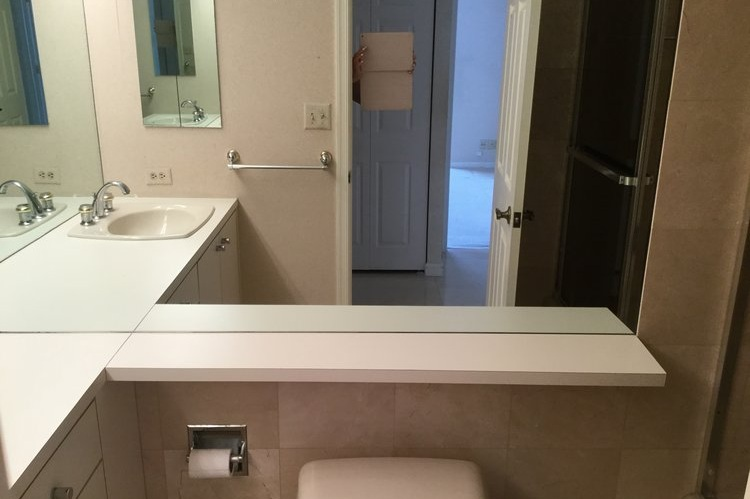 bathroom before.jpeg