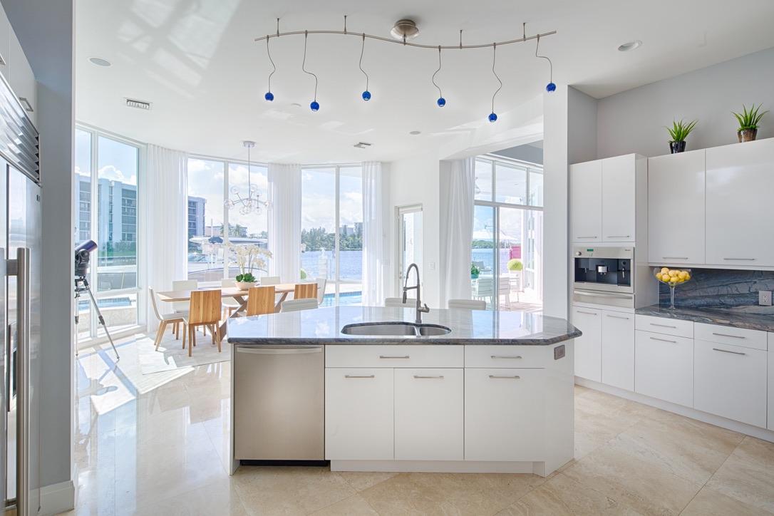 Contemporay Beach House in East Boca Raton, FL, Rooms by Eve, Eve Joss Interior Designer21.jpg