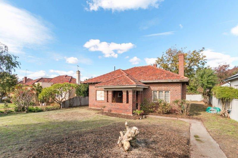Daglish Deceased estate house, Sold by deceased estates specialist simon blake-graham