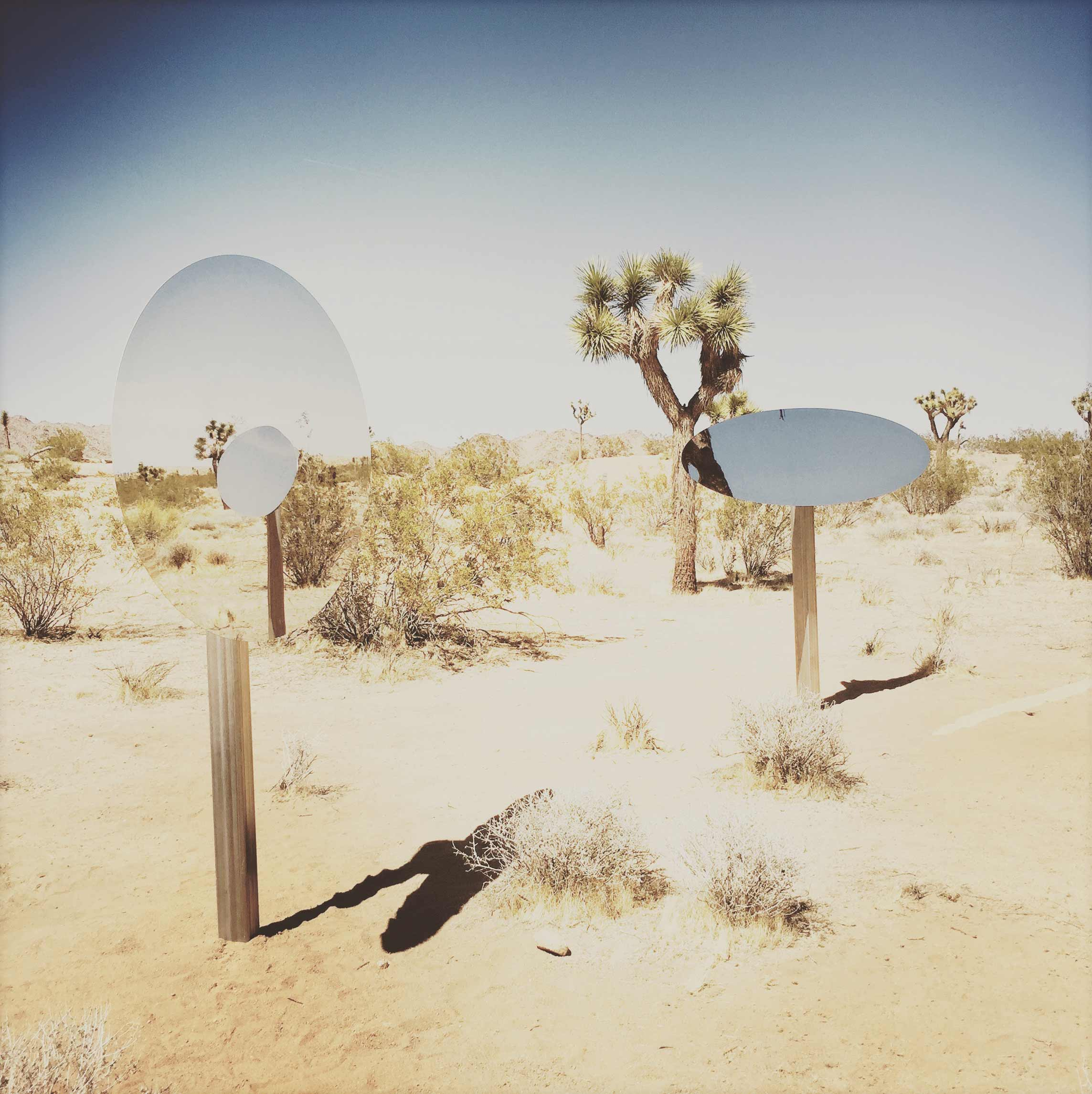Sarah Vanderlip, Untitled (Double Ellipses), Aluminum and mirror-polished stainless steel, 2018