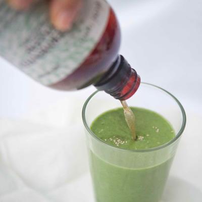 Akesi_greenjuice_papaya_leaf_tonic.jpeg