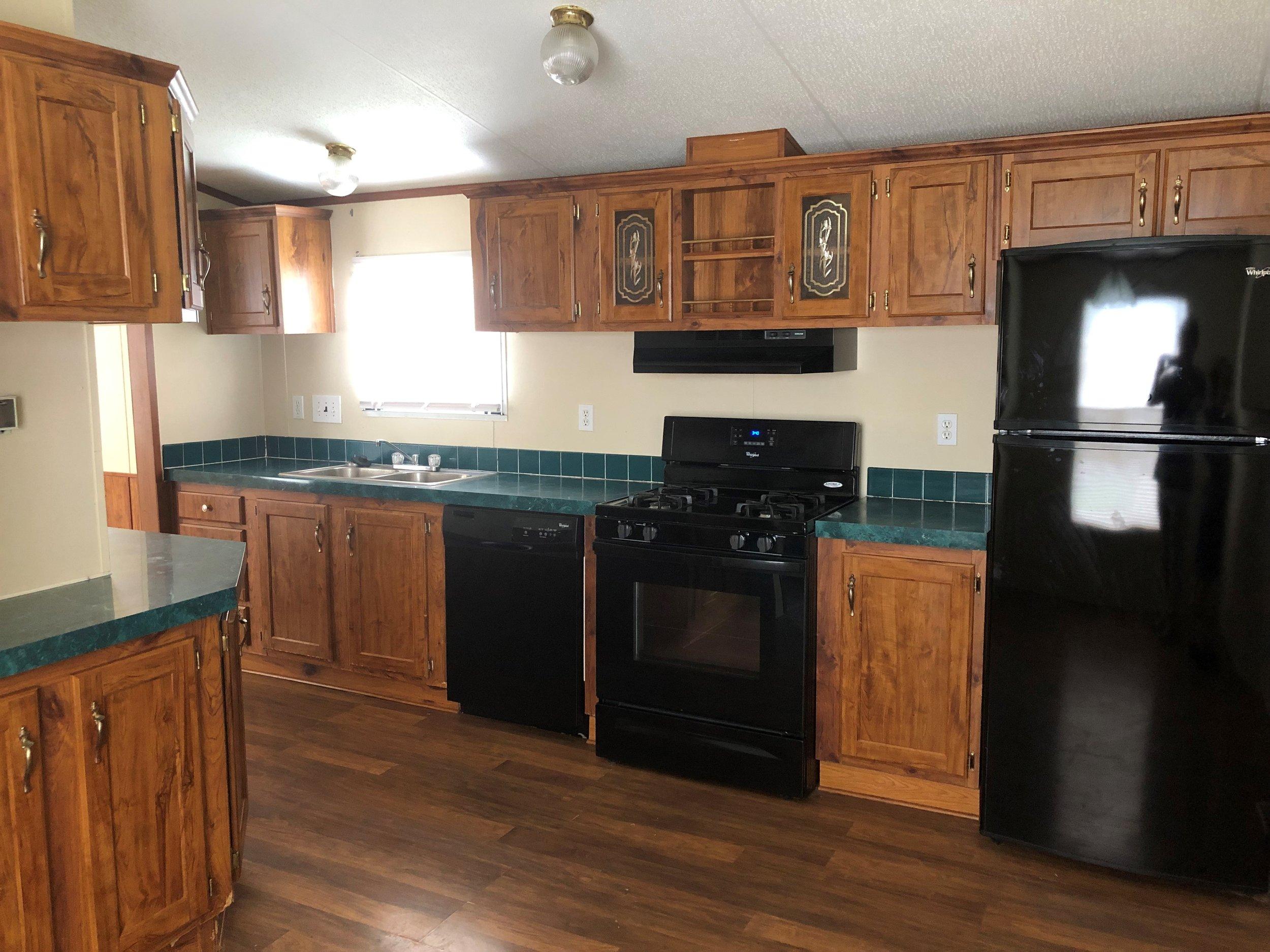 339 Kitchen.jpg