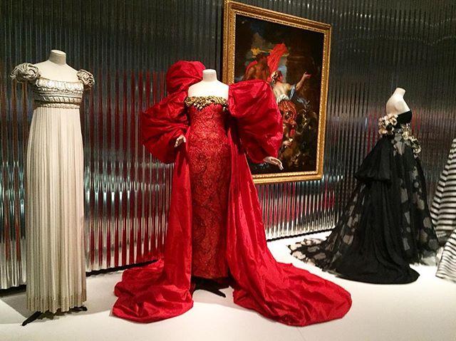 """A dress is a piece of ephemeral architecture"" Christian Dior ❤️ #denverartmuseum #diorexhibit #greatdesignissublime #houseofdior #christiandior"