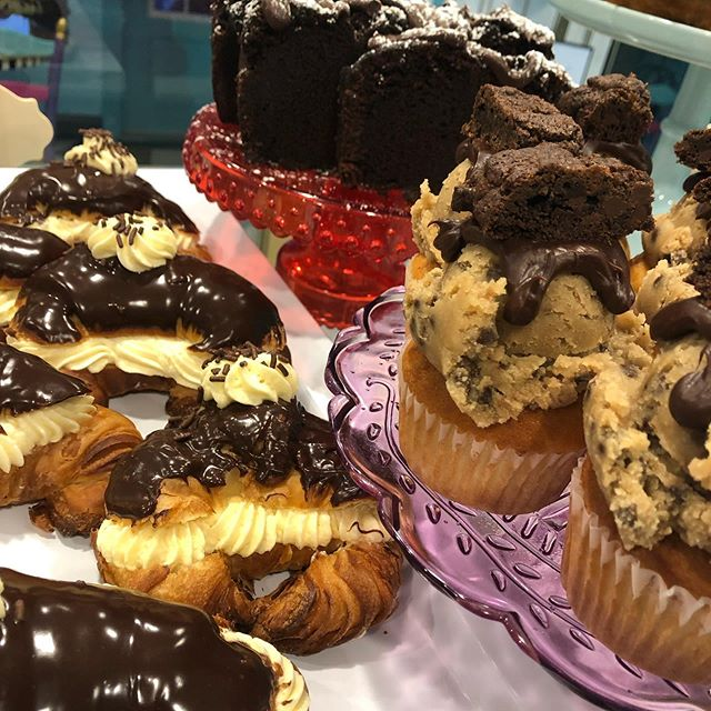 Too much goodness in this case today! Boston cream croissants, Double chocolate loaf, and Cookie dough cupcakes just to name a few 😍 Open 6am-4pm today! #thedessertfairy #westislip #sweetshop #customcakes #customtreats #bostoncream #cookiedough