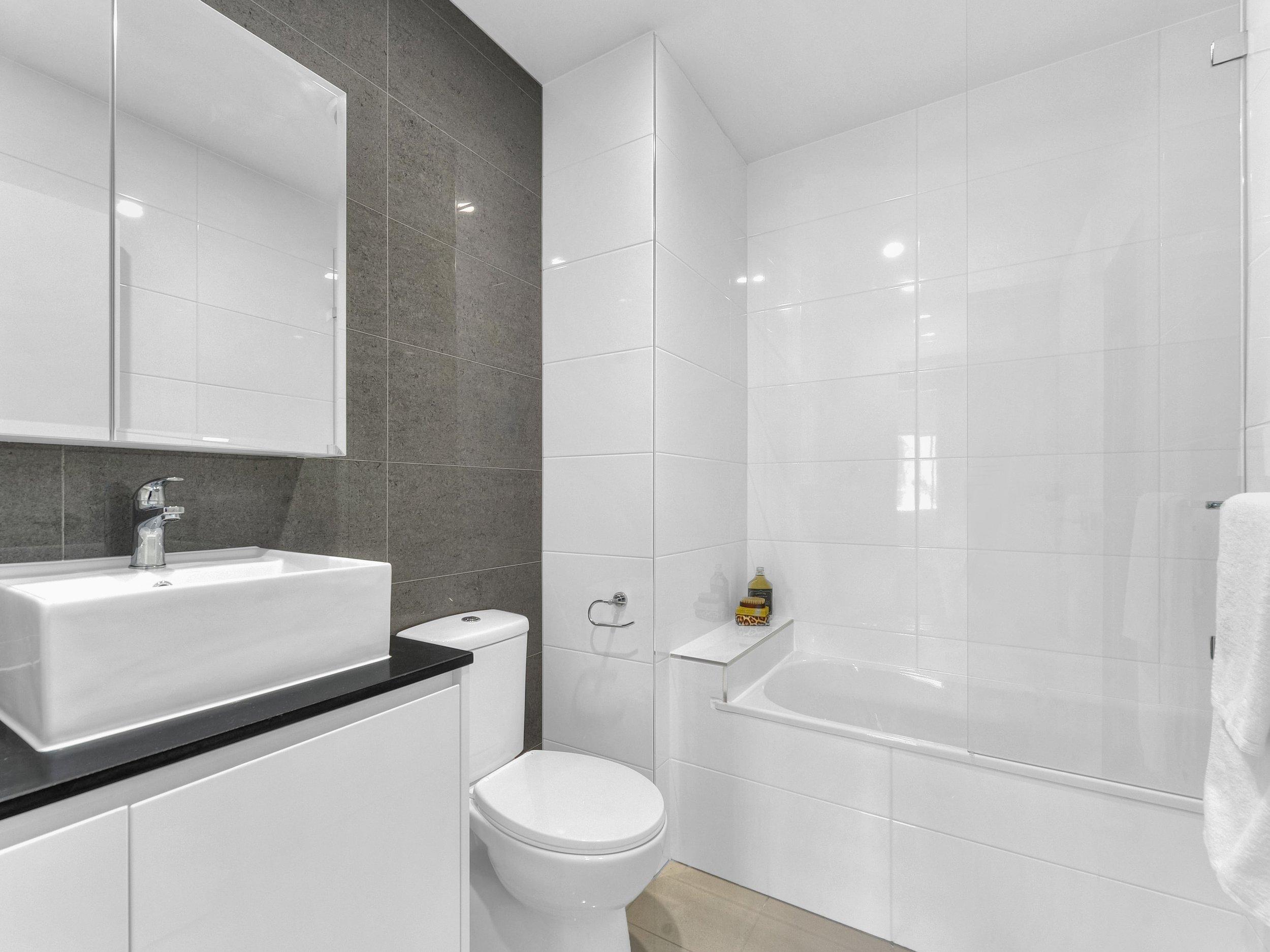 Bathroom-min.jpg