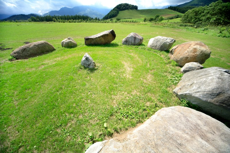 Circle of Kamui カムイのサークル/夏, 2002  Tokachi Millennium Forest, Hokkaido, Japan