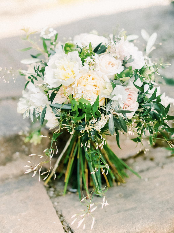 Bridal bouquet 9.png