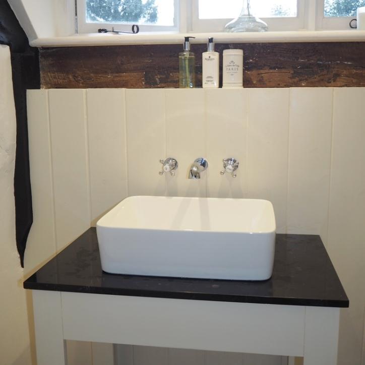 Bathroomhalnaker.jpg