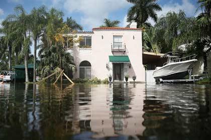 Miami Beach FL hurricane flood damage insurance claim