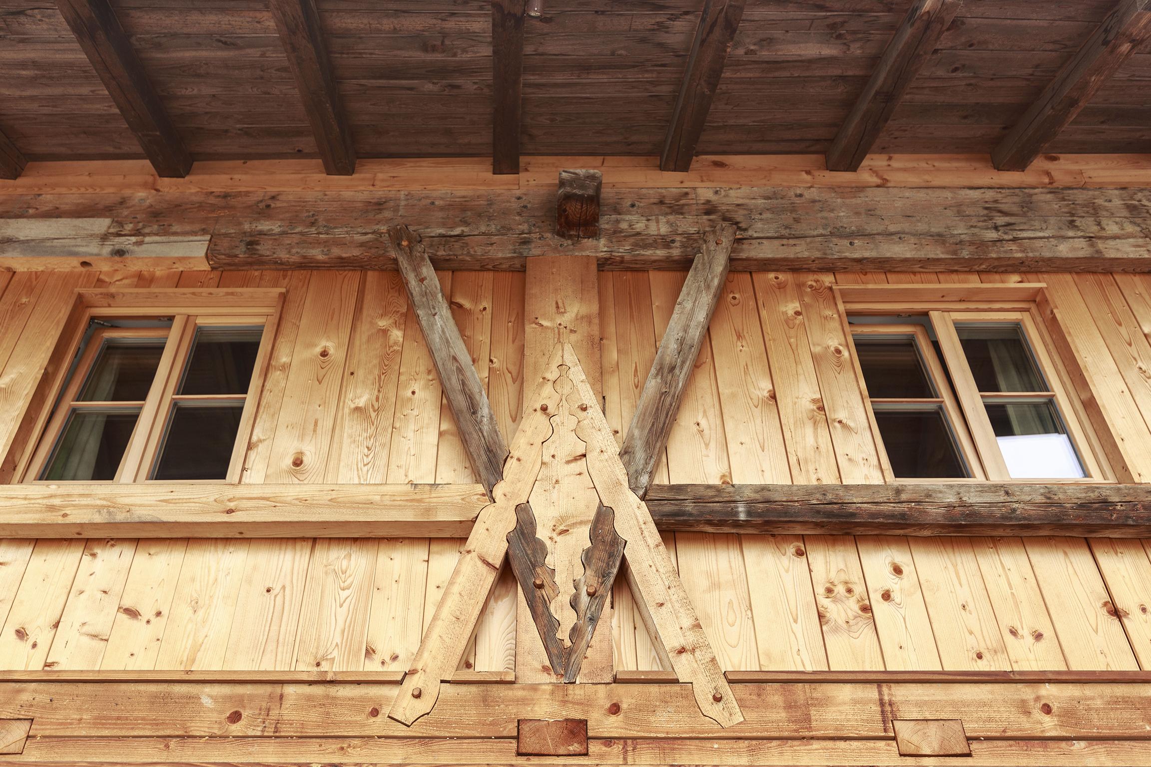 Holz ist mehr als nur ein Baustoff - Holz ist ein nachwachsender, klimafreundlicher und lebendiger Baustoff