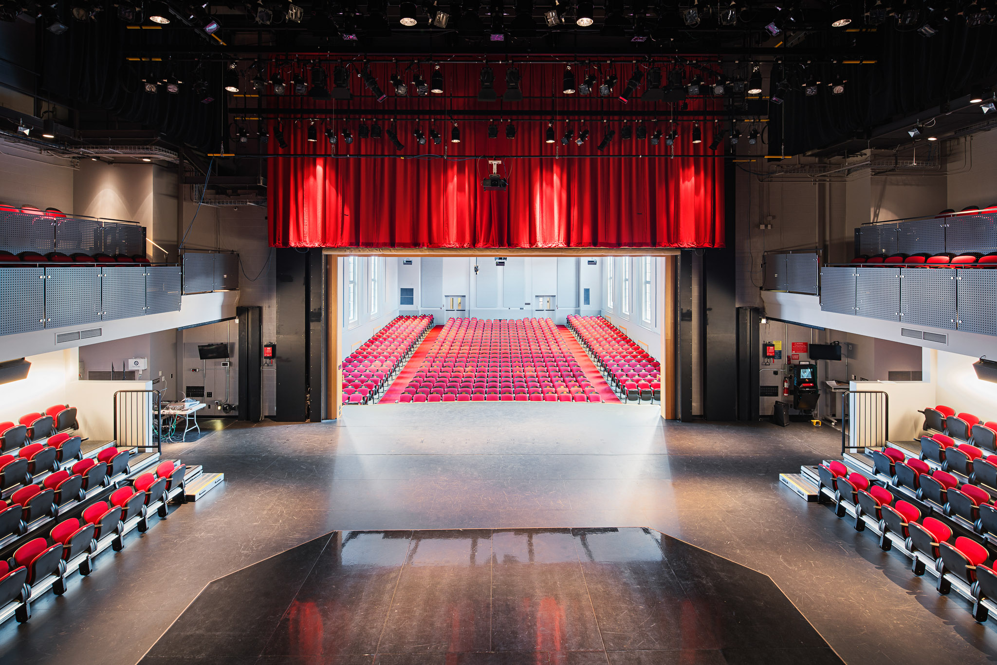 Theatre 03 2048.jpg