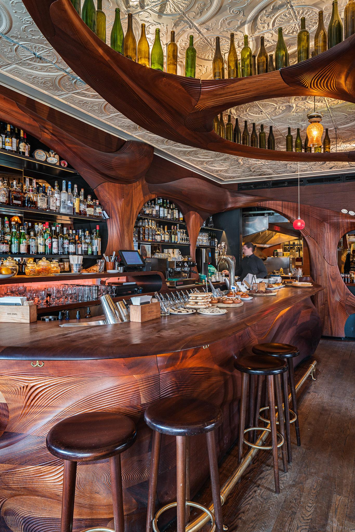 Bar Raval 08 2048.jpg