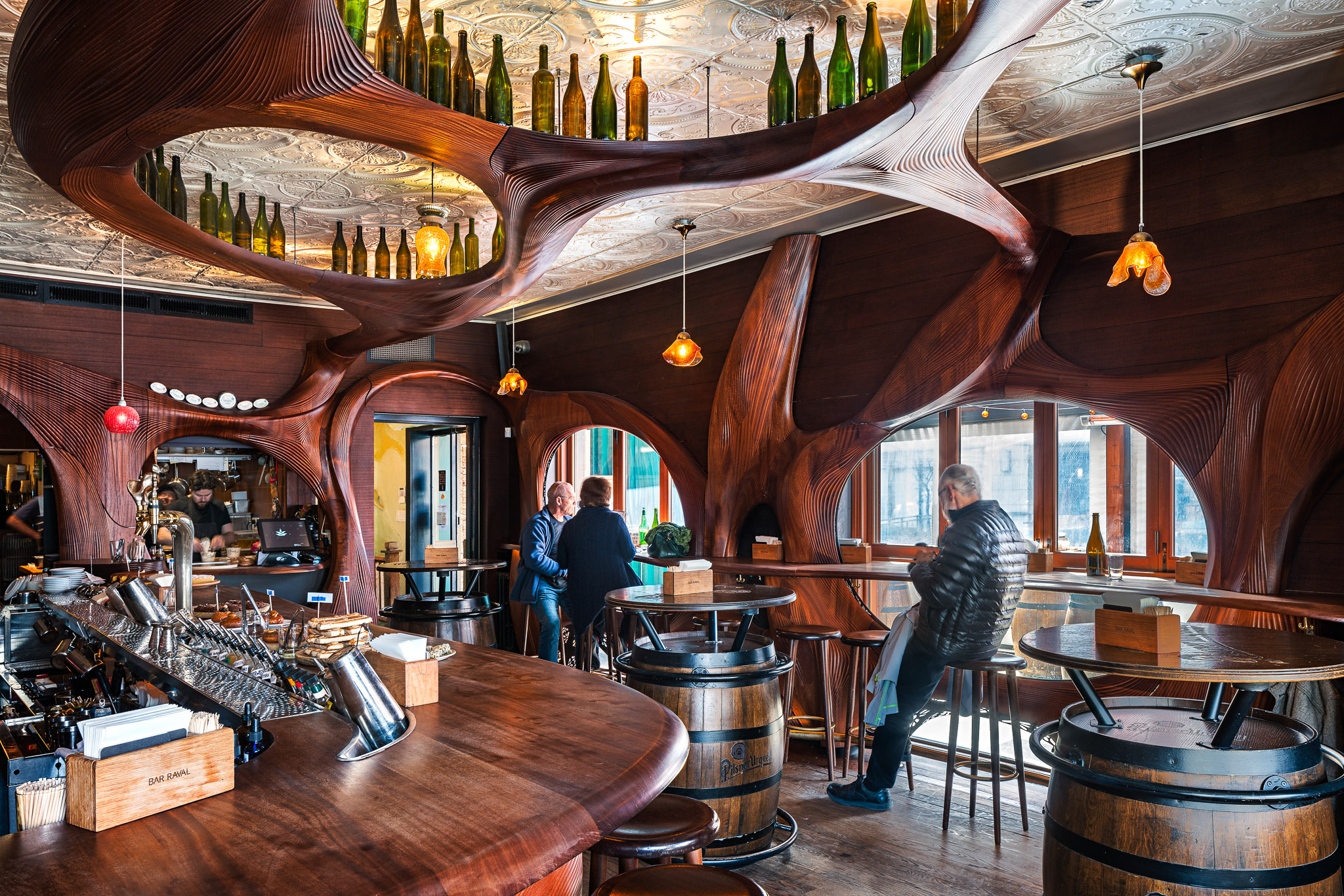 Bar Raval 10 2048.jpg