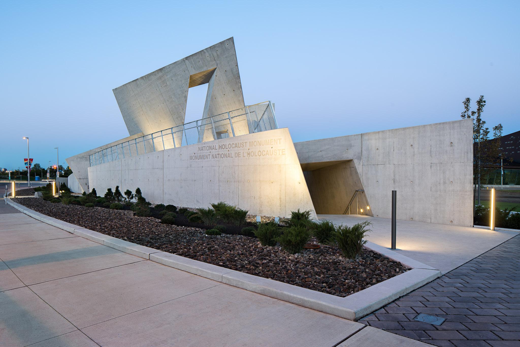 National Holocaust Monument 07 2048.jpg