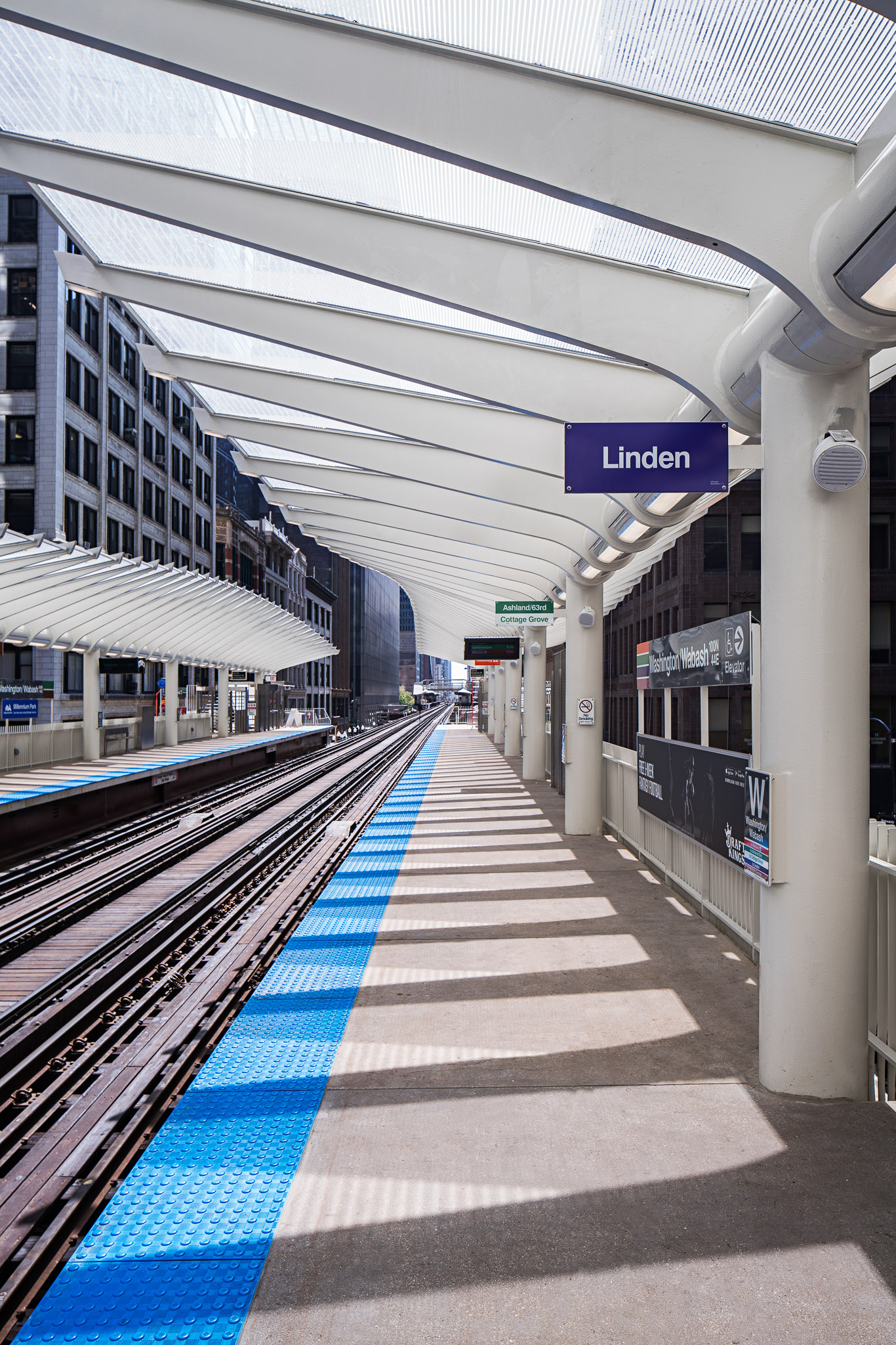 Washington-Wabash Station 06 2048.jpg