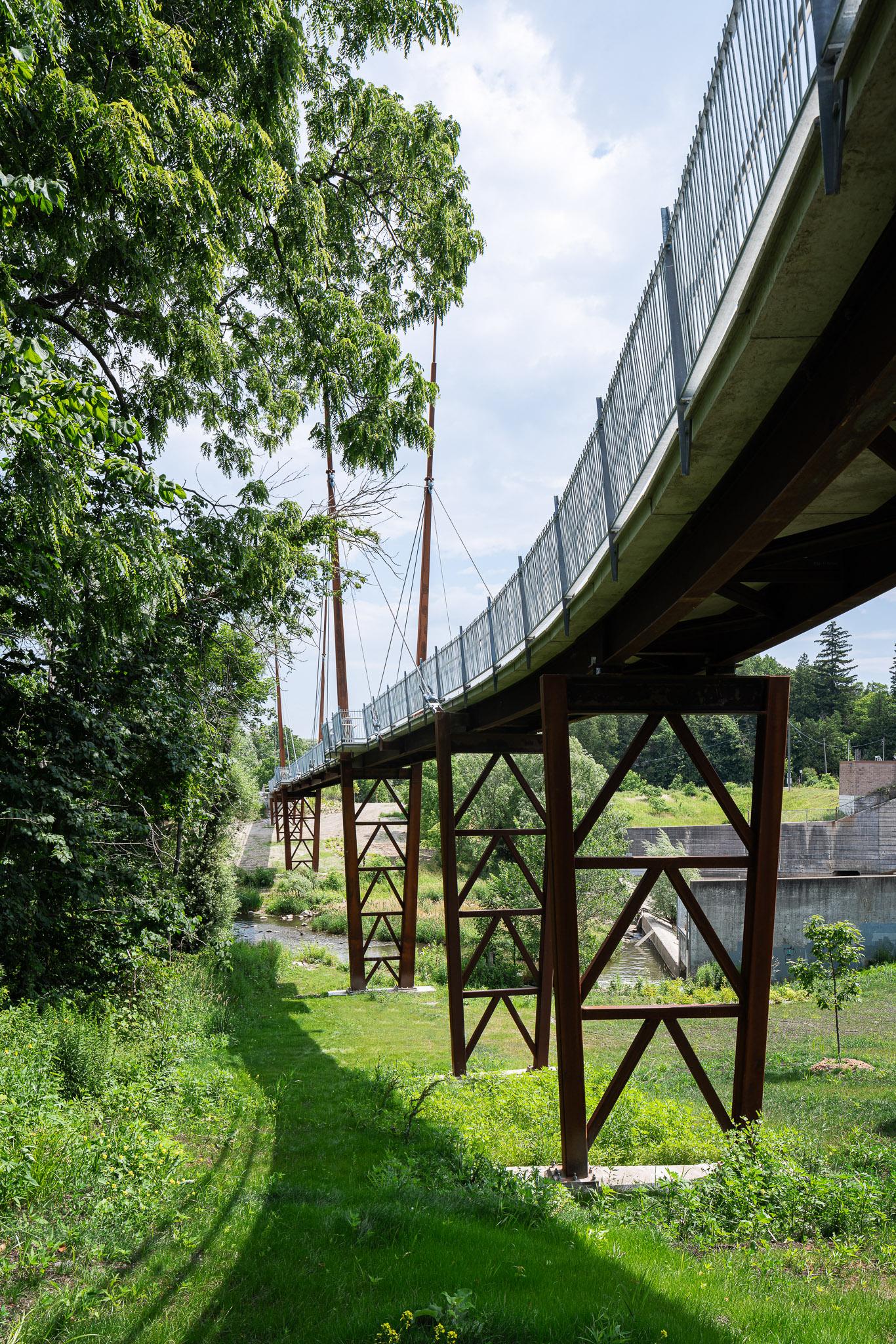 Milne Dam Bridge 25 2048.jpg