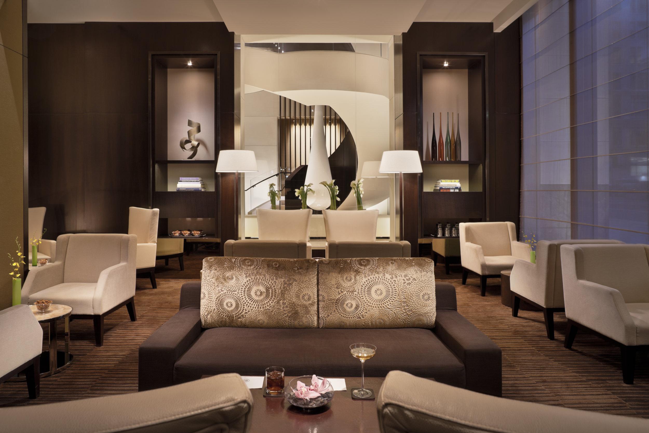 04- Bar Lounge 1 HR.jpg
