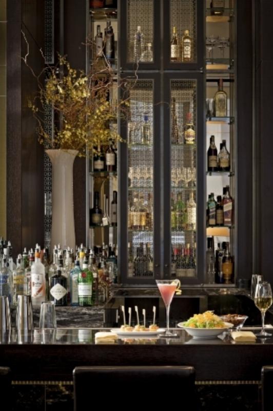 05- Bar Lounge 2 HR.jpg