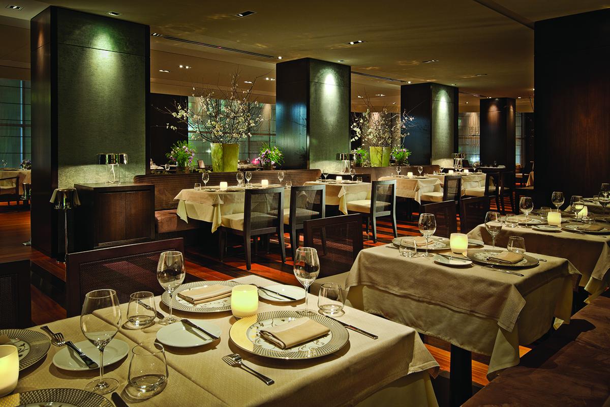 06- Restaurant 1 HR.jpg