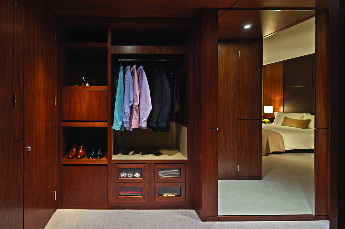 11- Guestroom 2 HR.jpg