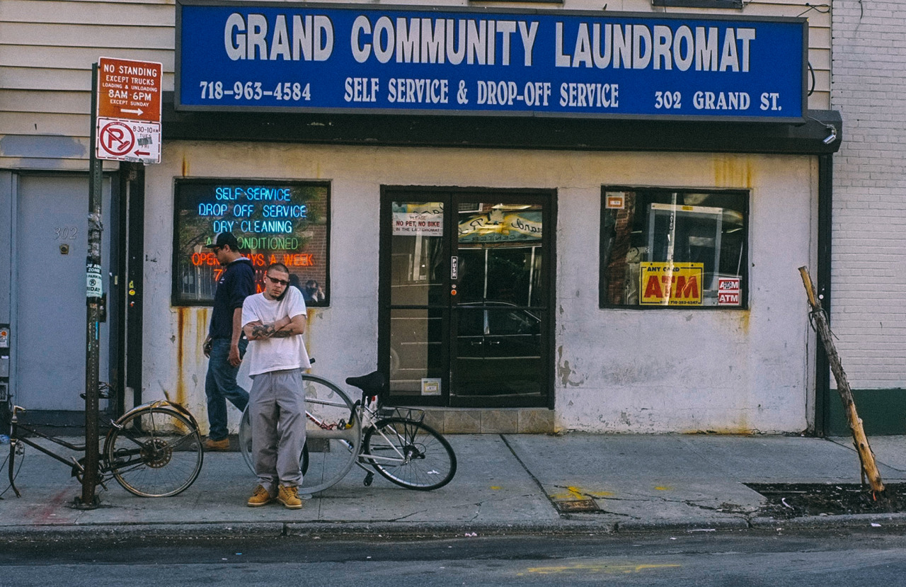 124. Grand Community Laundromat    www.willoharephotography.com