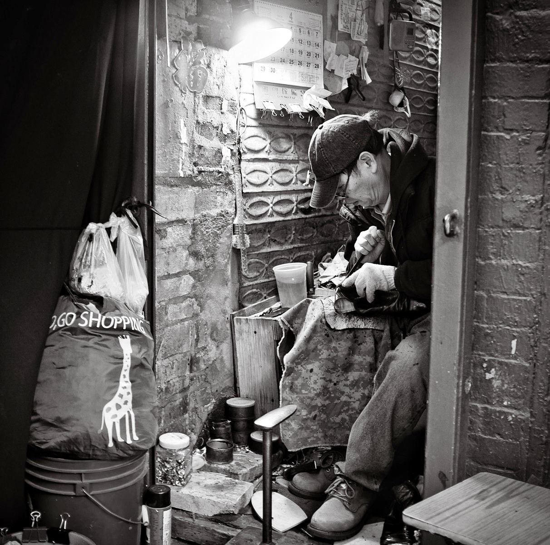 102 - Cobbler in Chinatown   #366Project #FujiX100