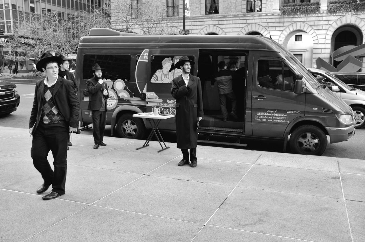 92 - Lubavitchers on Park   #366Project #FujiX100