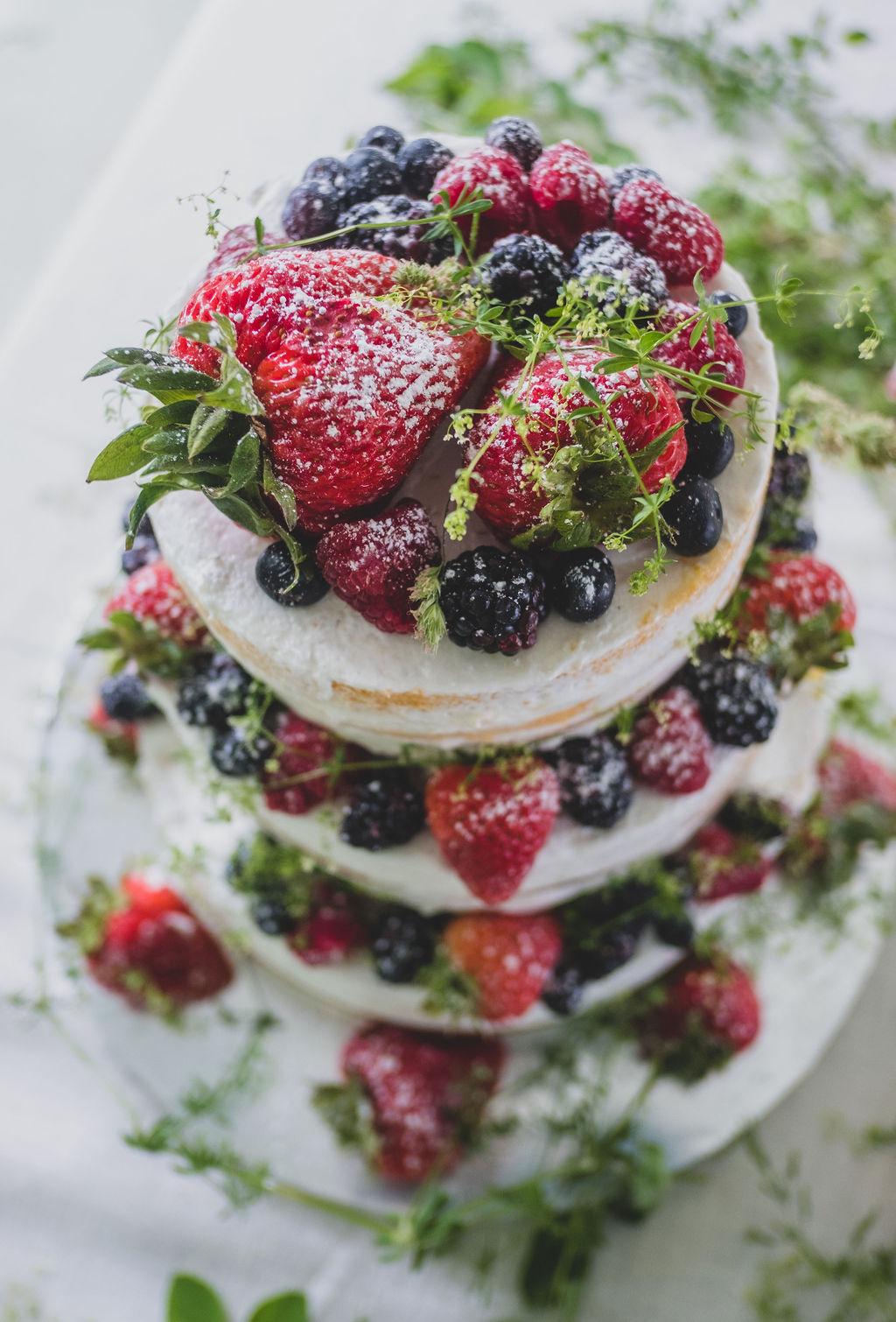 Stunning, layered wedding cake