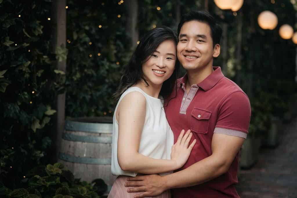 Twinkle_Lights_Ambiance_Couples_Engagement_Shoot_Distillery_District_Toronto_Wedding_Photographer_DSCF7539.jpg