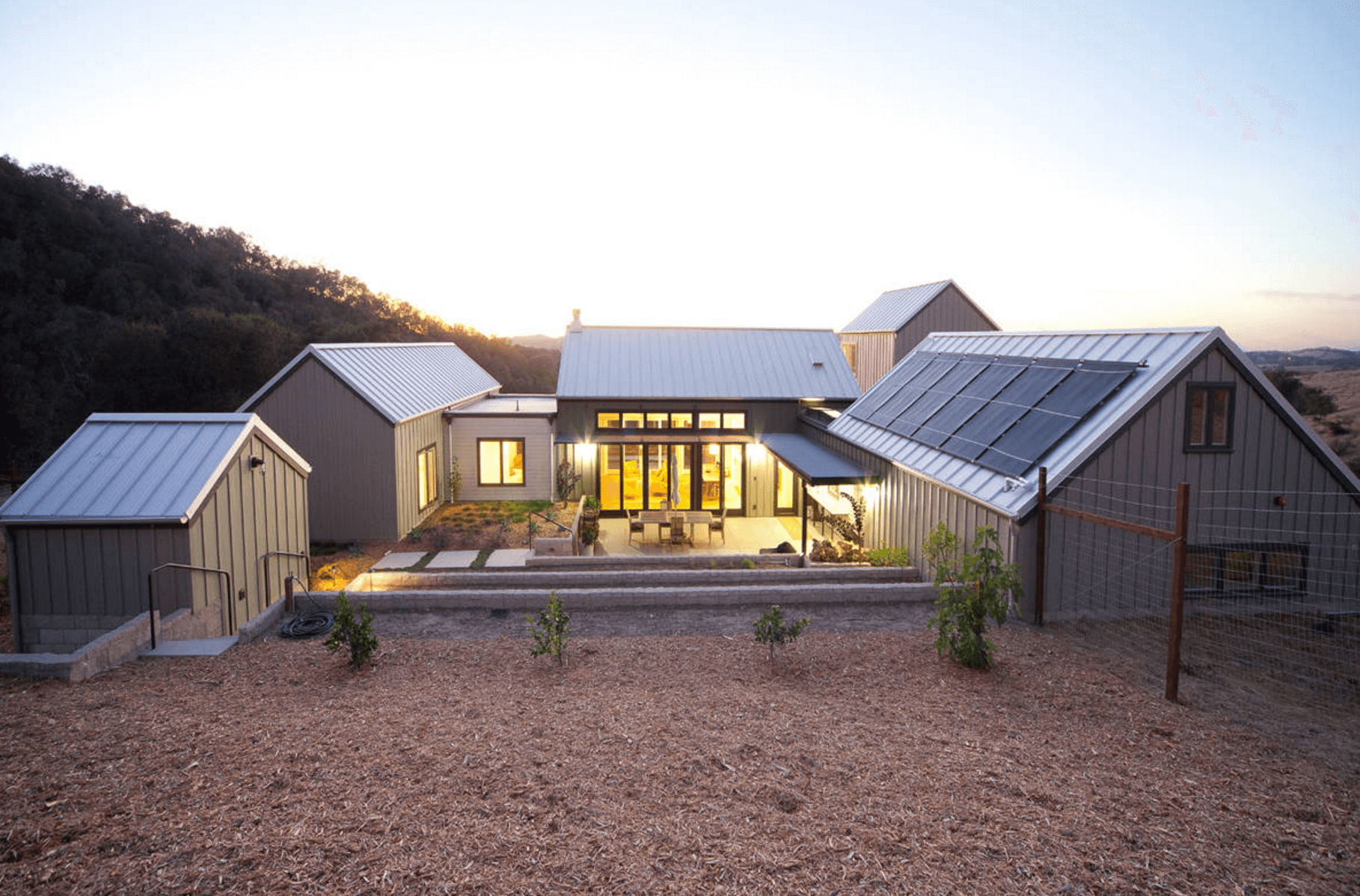 modern-farmhouse-solar.png