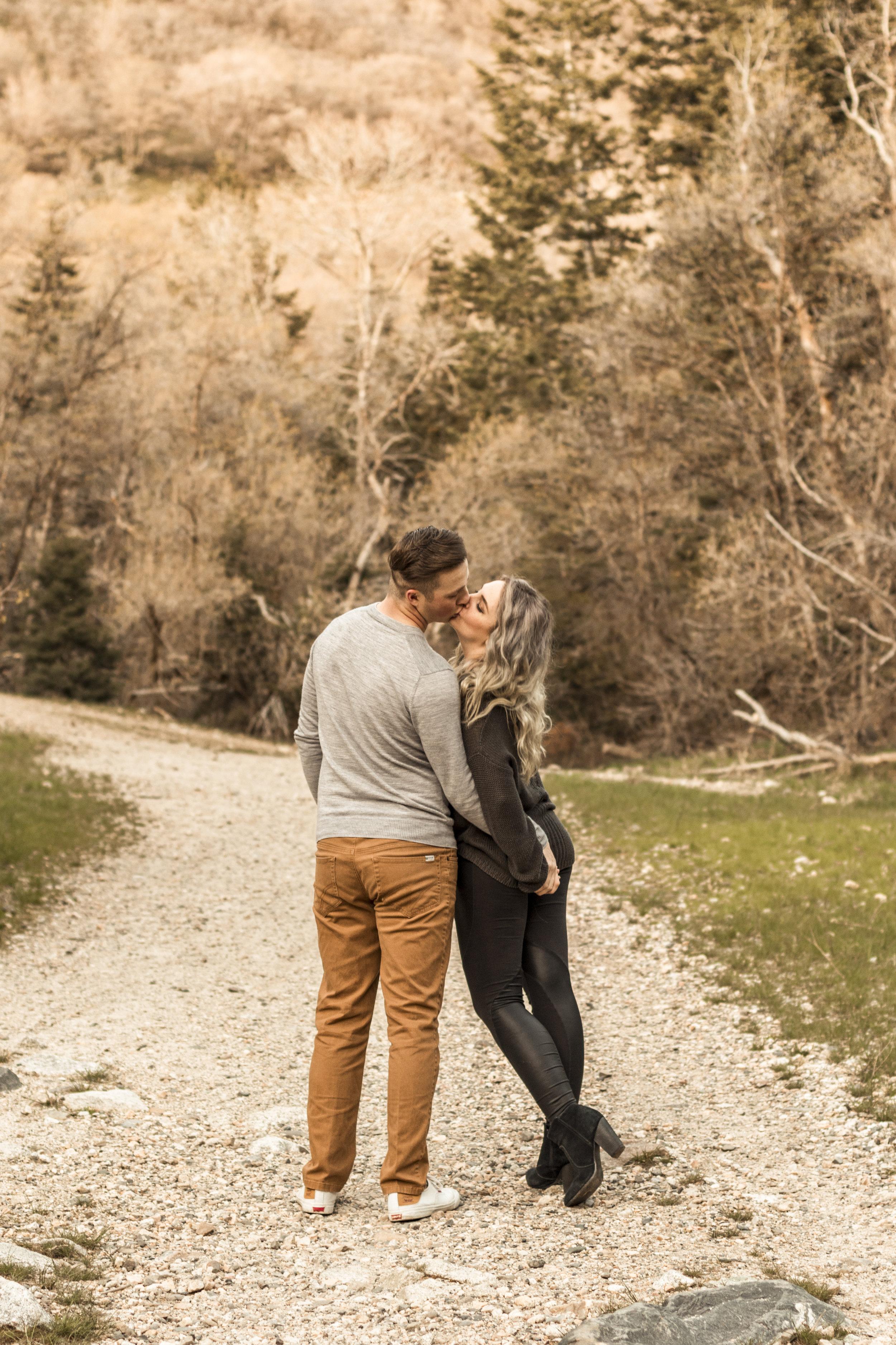 BBPhoto Utah Spring engagementsLittle Cottonwood Canyon06.JPG